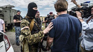 Des rebelles prorusses bloquent l'accès au site du crash aux enquêteurs et aux journalistes