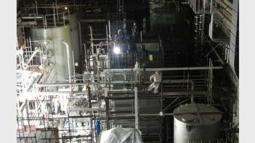 Des employés à la centrale de Fukushima Daiichi, le 31 mai 2011 au Japon