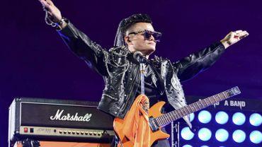 Jack Ma, président du groupe Alibaba, chante une chanson lors d'un événement marquant le 20e anniversaire d'Alibaba à Hangzhou, dans la province du Zhejiang, dans l'est de la Chine.