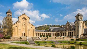 Lieu de foi, d'histoire, de tradition gourmande : l'abbaye d'Orval est implantée depuis le XIe siècle aux confins des Ardennes belges et de la Lorraine gaumaise