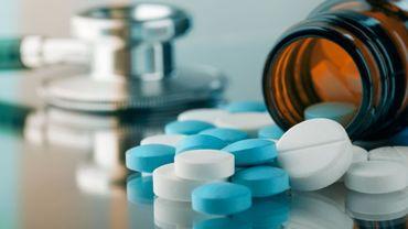 VIH: un manque d'empathie de la part du corps médical peut pousser le patient à arrêter son traitement.