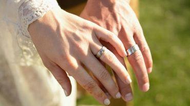 Etre marié donne de meilleures chances de survivre à une intervention cardiaque majeure, selon une étude publiée mercredi dans la revue médicale américaine JAMA Surgery