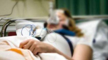 Un nouveau traitement est en cours de développement. Il doit permettre au patient de mieux récupérer après un coma (illustration).