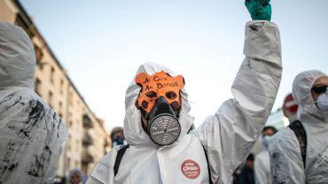 """Nouvelle manifestation à Rouen pour la """"vérité"""" sur les conséquences de l'incendie d'une usine Seveso"""