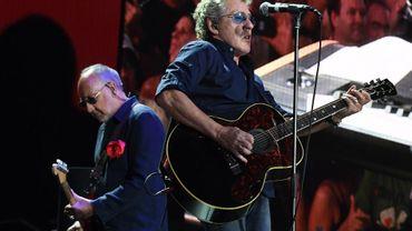 Pete Townshend (à gauche) et Roger Daltrey se produisent sur la scène du festival Desert Trip d'Indio (Californie), le 9 octobre 2016.