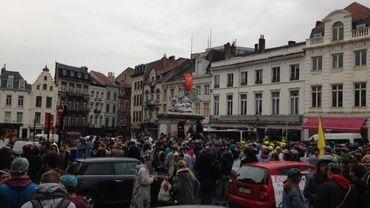 Annulation du rassemblement de la St-V à Bruxelles: forces spéciales et tireurs d'élite sur la Grand Place