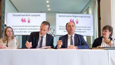 Oliver Paasch et Willy Borsus ont paraphé le transfert de nouvelles compétences de la Wallonie vers la Communauté germanophone.