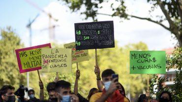"""Coronavirus à Madrid: """"ce n'est pas du confinement, c'est de la ségrégation!"""", clament des manifestants"""