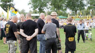 Des membres de ''Blood&Honour'' photographiés en 2010.