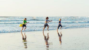Coronavirus : un Belge sur trois revoit ses projets de vacances face à la résurgence du coronavirus