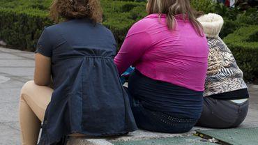 Les intestins pauvres en bactéries liés aux complications de l'obésité