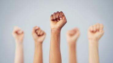 COVID-19: la Belgique doit garantir les droits des femmes