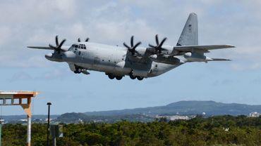 Les appareils appartenant au corps des Marines, un chasseur F/A-18 avec deux personnes à bord et un avion de ravitaillement KC-130 avec cinq occupants, se sont percutés dans des circonstances qui restent à déterminer par l'enquête.