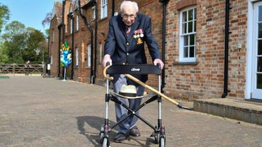 L'ancien combattant britannique Tom Moore, le 16 avril 2020 à Marston Moretaine, au nord de Londres