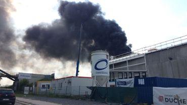 Louvain-la-Neuve: gros incendie sur le chantier de la nouvelle piste d'athlétisme