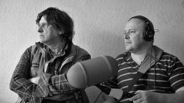 Stéphane Dupont, à gauche, aux côtés de l'un de ses ingénieurs du son, Pascal Vossen