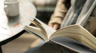 7 Belges sur 10 aiment lire un livre en compagnie de leur partenaire