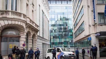Attentats à Bruxelles: alerte à la bombe à l'hôpital Saint-Pierre à Bruxelles