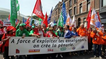 Les manifestants dans les rues de Liège ce 5 mai 2011