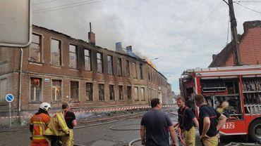Colfontaine: une ancienne école part en fumée