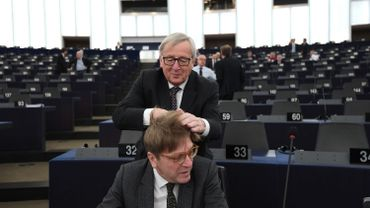 Jean-Claude Juncker sera-t-il remplacé par Guy Verhofstad?