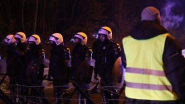 Gilets jaunes: quelles conditions de sécurité faut-il remplir pour organiser une manifestation?