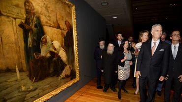 """Le Roi et la Reine visitent l'expo """"Lieux sacrés, Livres sacrés"""" au MAS, à Anvers"""