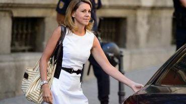 La secrétaire générale du Parti populaire (PP), Maria Dolores de Cospedal, quitte le palais de justice de Madrid, le 14 août 2013