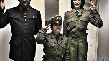 Kim Jong-un et ses deux générales !