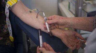 Le dépistage de la trisomie se fait via une simple prise de sang