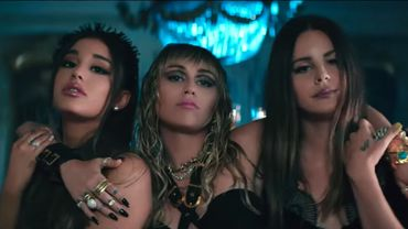 "Ariana Grande, Miley Cyrus et Lana Del Rey dans le clip de ""Don't Call Me Angel (Charlie's Angels)""."