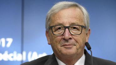 """LuxLeaks: Jean-Claude Juncker concède une """"négligence"""" sur la concurrence fiscale"""