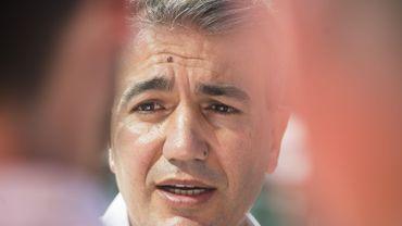 Un trac électoral du socialiste Emir Kir crée la polémique