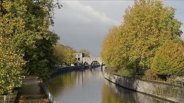 Flâner sur les quais de Tournai