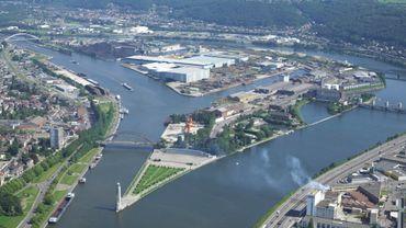 Le port autonome est le premier port fluvial belge et le troisième européen.