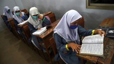 Dans une école de Karachi (Pakistan), où les établissements scolaires ont rouvert après environ six mois, le 15 septembre 2020