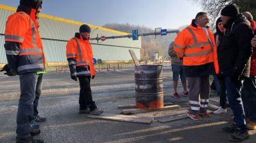 Les syndicats bloquent les entrées des trois usines du groupe Lhoist