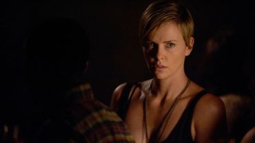 "Charlize Theron dans ""Dark Places"""