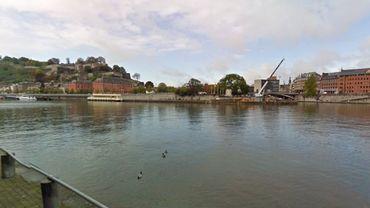 Une plateforme côté Meuse d'environ 200 à 250 m2 sera construite près de la pointe de la confluence, à côté de la future passerelle piétonne qui reliera le Grognon à Jambes