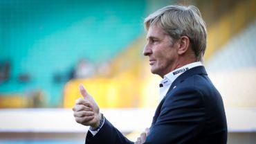 Pour être en ordre avec l'octroi de la licence nécessaire à l'inscription en championnat de Nationale 1, le statut social de l'entraîneur José Riga, lequel n'est pas engagé comme pro à Visé demandait quelques éclaircissements.