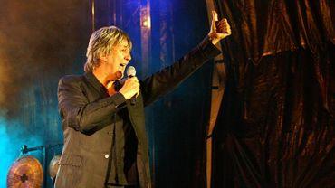 Jacques Higelin en concert lors du cinquième festival aux Zarbs d'Auxerre en juillet 2007