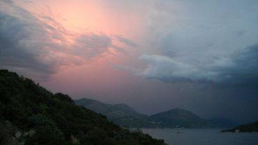 Vue sur la mer des balkans
