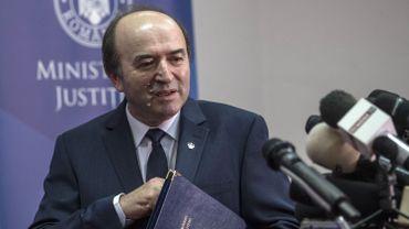 Roumanie: un nouveau projet de décret judiciaire, permettant de rejuger certains politiques, suscite la défiance