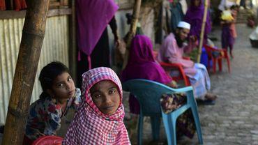 Des Rohingyas birmans dans un camp de réfugiés à Cox's Bazar, le 26 novembre 2016 au Bangladesh