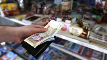 Depuis plusieurs mois, on assiste à une chute vertigineuse de la valeur de la monnaie iranienne.