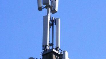 Une douzaine d'antennes GSM ont été installées sur le toit d'un immeuble de la chaussée d'Alsemberg (illustration).