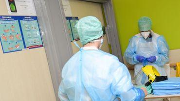 Coronavirus en Belgique ce 4décembre: la moyenne des décès continue de baisser, comme celle des hospitalisations