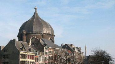 L'ex-église Saint-André, dans le voisinnage immédiat du Perron liégeois