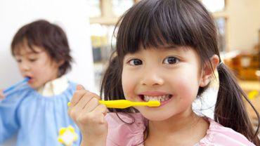Le dioxyde de titane est présent dans deux tiers des dentifrices