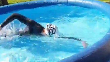 La championne olympique d'eau libre s'entraîne dans une piscine gonflable